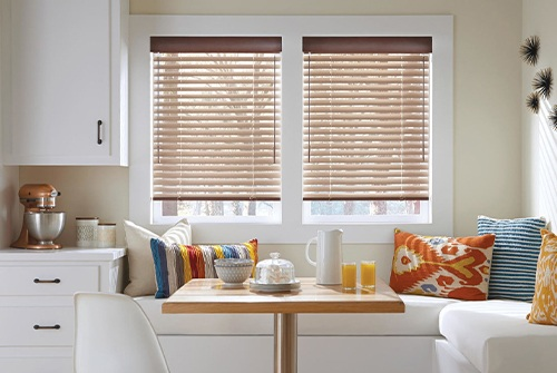 Horizontal blinds over dining nook